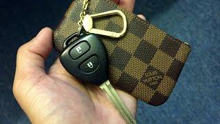 getlinkyoutube.com-Louis Vuitton Cles Key Pouch Damier Ebene Review