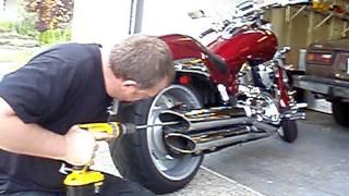 getlinkyoutube.com-Suzuki Boulevard M109r stock pipe debaffle 1/2