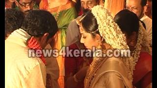 getlinkyoutube.com-Samvrutha Sunil Marriage - News4Kerala