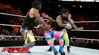 getlinkyoutube.com-The Usos vs. The New Day - 2-on-3 Handicap Match: Raw, December 21, 2015