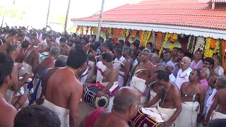 getlinkyoutube.com-Panchavadyam Uthralikavu Pooram 2015