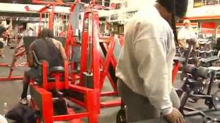 getlinkyoutube.com-Kai greene training legs part2