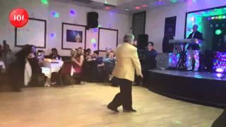 getlinkyoutube.com-قسمتی از رقص و اجرای فوقالعاده زیبای سید کریم در لندن 2016