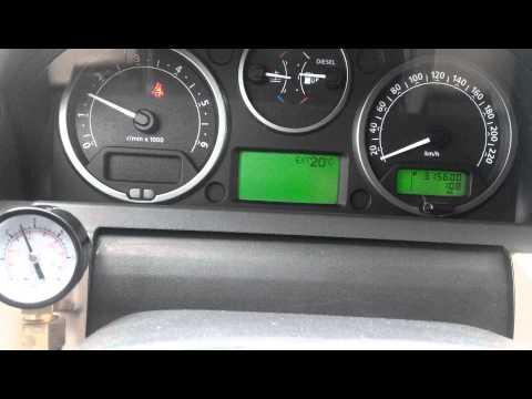 Где находится датчик давления масла в Land Rover Range Rover