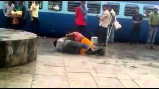 getlinkyoutube.com-Hijra fighting