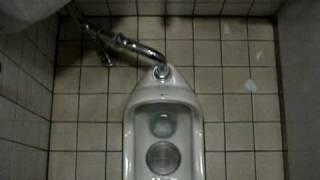 getlinkyoutube.com-Japan - How to #45 - Japanese Toilet