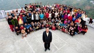 اكبر عائلة في العالم -  181 شخص تحت سقف واحد
