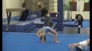 getlinkyoutube.com-5 year old Kaylee at Tumbling class doing round off back hand spring