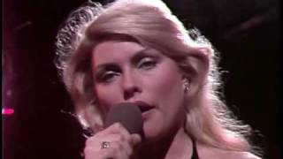 getlinkyoutube.com-Blondie - One Way Or Another (Live Midnight Special 1979).avi