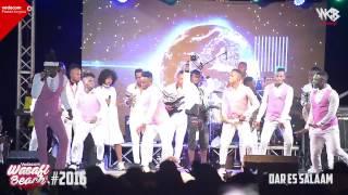 getlinkyoutube.com-Diamond Platnumz - Live Performance At Vodacom wasafi beach party (jangwaniseabreeze part 3)