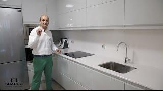 getlinkyoutube.com-Video de cocinas modernas gris brillo con encimera  de silestone
