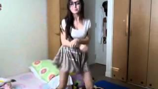 getlinkyoutube.com-Chinese Teen Girl dance for Oppa Gangnam style song - HOT