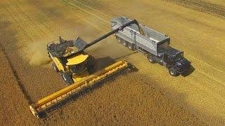 getlinkyoutube.com-New Holland CR 10.90 TT- Der größte Rotor-Mähdrescher der Welt-12,5m-Getreideernte-barley harvester