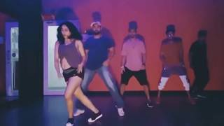Neha Bhasin Hot Dance Performance