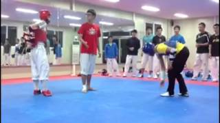 getlinkyoutube.com-Korean Sparring - Amazingly Fast Player!!