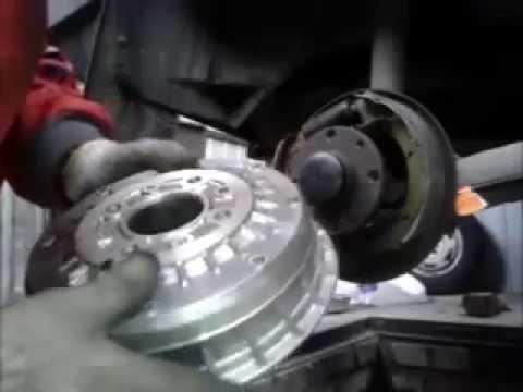Как правильно поменять задние тормозные колодки ВАЗ-08,09,10