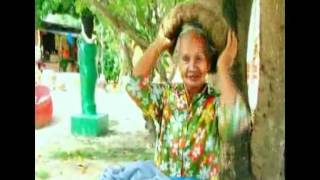 getlinkyoutube.com-ยายวัย 64 ไม่ตัดผมมา 21 ปี