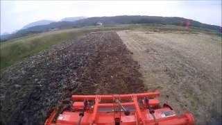 getlinkyoutube.com-Kubota KT230キャビントラクターで稲刈り後の田起こし