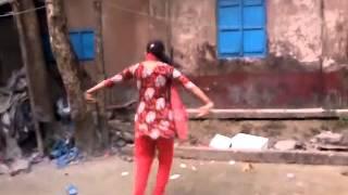 getlinkyoutube.com-awesome dance by bangladeshi girls shaono gagane ghor ghanaghata
