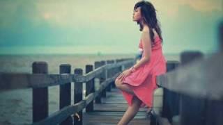 getlinkyoutube.com-Foreigner - Waiting for a Girl Like You [Lyrics]