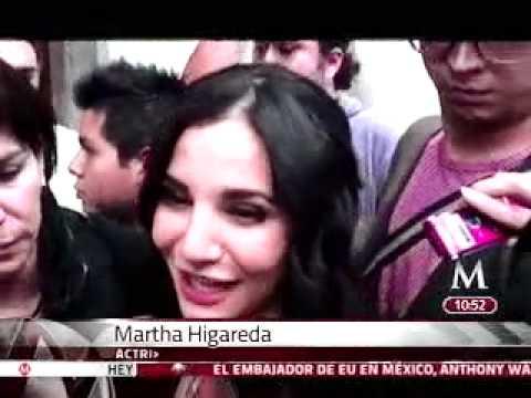 Martha Higareda une a su familia en el cine