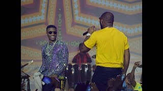 OMG! Wizkid and Davido end their rivalry as they perform FiA Together