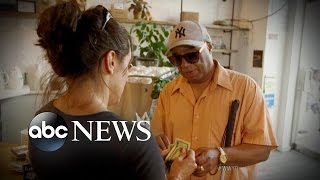 getlinkyoutube.com-Blind Man Robbed When Asking For Help With Wallet | What Would You Do? | WWYD