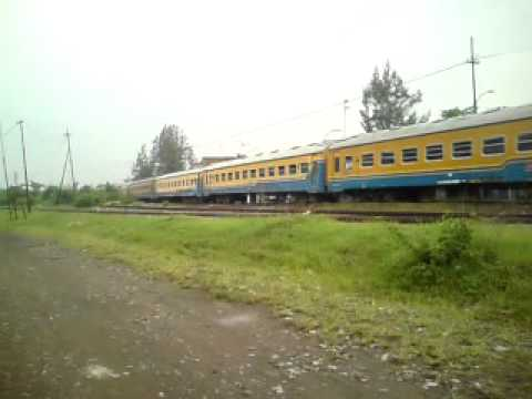 kereta api logawa  purwokerto - jember lewat  tetek pasar nongko soloMP4