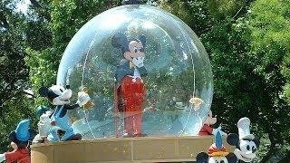 getlinkyoutube.com-Disney Parade Fail