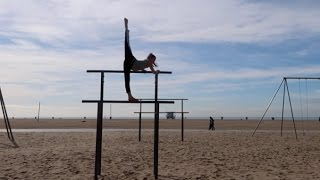 getlinkyoutube.com-Winter Gymnastics on the Beach | Acroanna