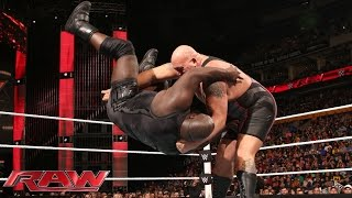 getlinkyoutube.com-Mark Henry vs. Big Show: Raw, Sept. 28, 2015