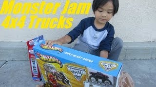 getlinkyoutube.com-Unboxing Monster Jam's Triple Blast Arena Set