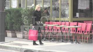 "getlinkyoutube.com-Cate Blanchett walking in Paris to go the the ""Theatre de la ville"""