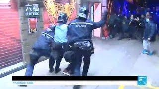 getlinkyoutube.com-Hong Kong protests: Police and protestors clash over street vendor crackdown