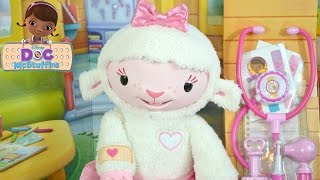 getlinkyoutube.com-DISNEY Doc McStuffins TAKE CARE OF ME LAMBIE Toy Review NEW