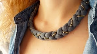 getlinkyoutube.com-Como hacer un collar con trapillo