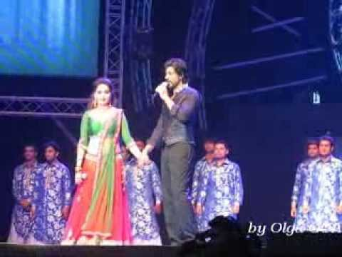 SRK Live Concert in Dubai with Madhuri Dixit and Deepika Padukone   1 december 2013 part 4