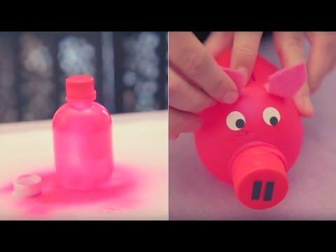 Alcancías hechas con botellas de plástico