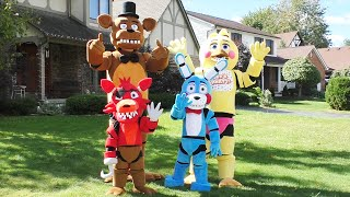 getlinkyoutube.com-👉 Amazing FNAF Costumes Foxy Bonnie Freddy Toy Chica   Five Nights at Freddy's 🐻   FNAF Family