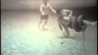 getlinkyoutube.com-คน สู้กับ งูอนาคอนด้า ในน้ำใครจะชนะ