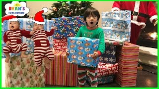 getlinkyoutube.com-Christmas Morning 2016 Opening Presents Surprise Toys for Kids Ryan ToysReview
