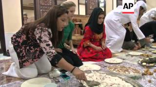 getlinkyoutube.com-Expats in UAE experience local iftar tradition
