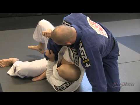 JiuJitsu Magazine #7 - Mastering The Mount: Technical Mount Escape