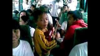 getlinkyoutube.com-AJI.pengamen cilik yg mampu menarik perhatian para penumpang bus 1 family day pt gaya makmur bekasi