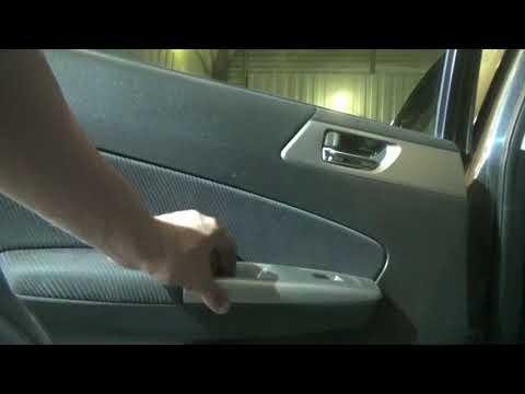 Как снять обшивки передней и задней дверей. Subaru Forester III.