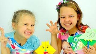 getlinkyoutube.com-Видео для детей. Ксюша, Настя - Мастер Класс по ОРИГАМИ. Как сделать закладку?