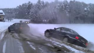 getlinkyoutube.com-Audi 80 QUATTRO helps BMW