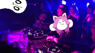 getlinkyoutube.com-Temmie Attends a Frat Party