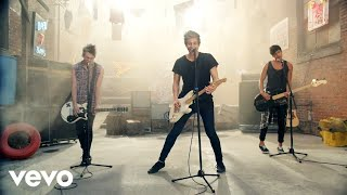 getlinkyoutube.com-5 Seconds of Summer - She Looks So Perfect