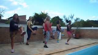 getlinkyoutube.com-WORKOUT ZUMBA- Personal Trainer Claudia Alves e alunas